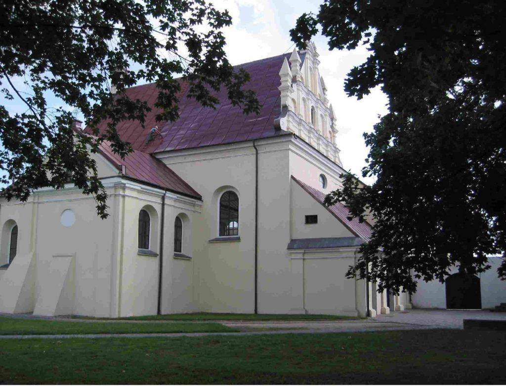 Kościół św. Józefa w Pułtusku - widok od ul. Daszyńskiego