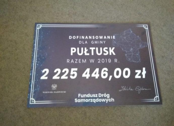 tabliczka dofinansowanie dla gminy pułtusk