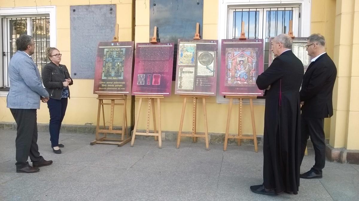 """Fotorelacja z rozpoczęcia wystawy """"Codex aureus pultoviensis"""""""
