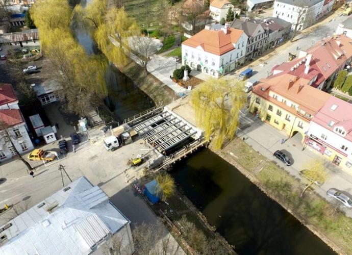 remont mostu zdjęcie z lotu ptaka