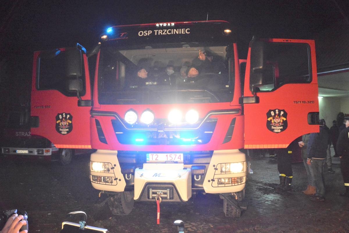 OSP w Trzcińcu ma wreszcie swój wymarzony wóz strażacki MAN TGM 18.320. Fotorelacja ze sprowadzenia i prezentacji wozu w załączeniu