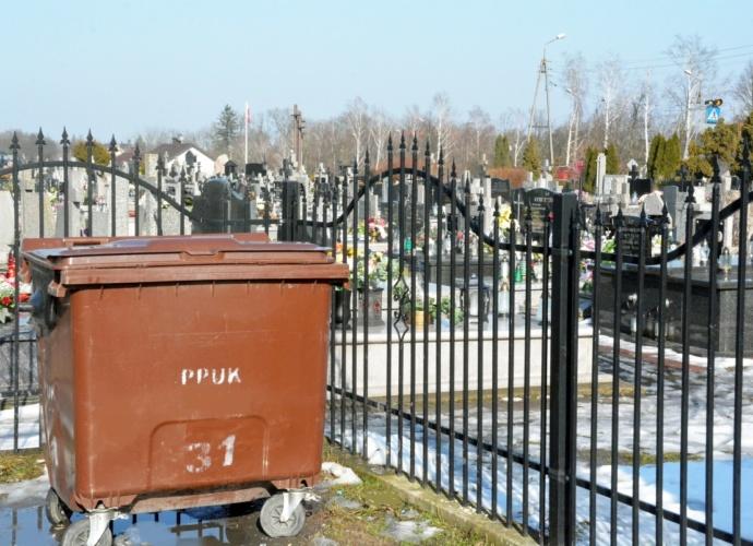 Cmentarz - pojemnik na odpady