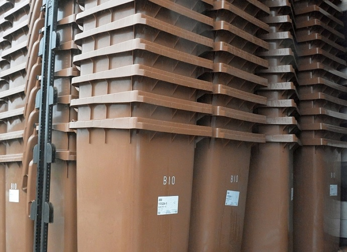 Transport pojemników na bioodpady 1