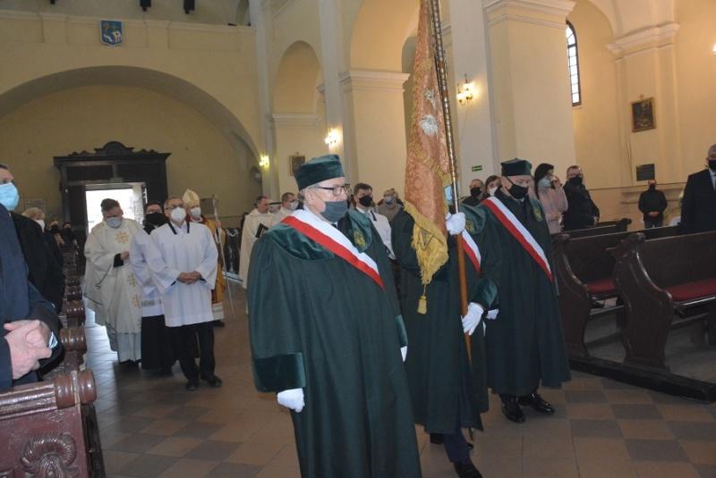 rozpoczęcie mszy św. z okazji 10-lecia Parafii